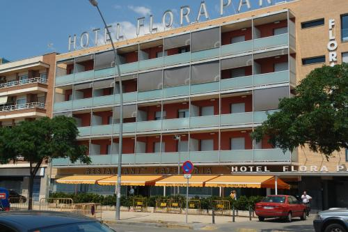 Hotel Pictures: Hotel Flora Parc, Castelldefels