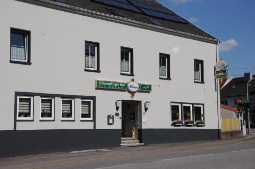 Hotel Pictures: Hotel-Restaurant Schwemlinger Hof, Merzig