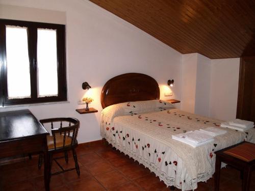 Hotel Pictures: Fuentes de Abajo, San Esteban de la Sierra
