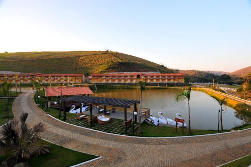 Hotel Pictures: Vassouras Eco Resort, Macambará