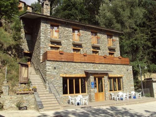 Hotel Pictures: Hostal Les Roquetes, Queralbs