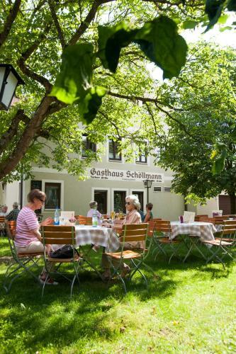 Hotel Pictures: Gasthaus Schöllmann, Feuchtwangen