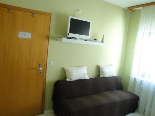 Hotel Pictures: Gästehaus Andrea Blatt, Bruttig-Fankel