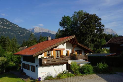 Hotel Pictures: Ferienwohnung Soiernblick, Krün