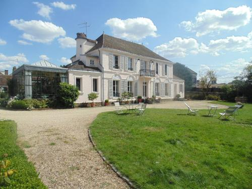 Les ClayessousBois Hotels hotel booking in Les ClayessousBois  ~ Hotel Les Clayes Sous Bois