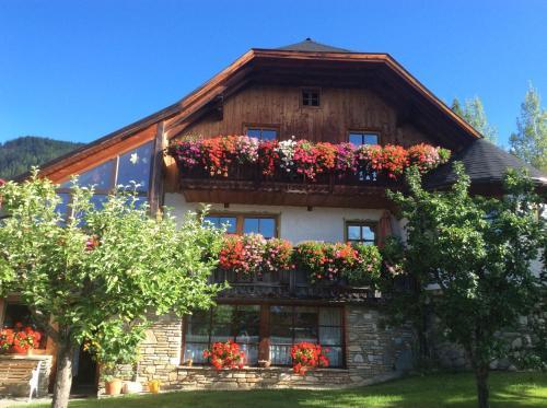 Foto Hotel: Ferienwohnungen Schartner, Mauterndorf