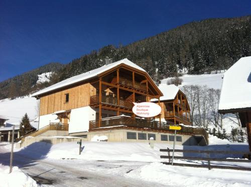 Zdjęcia hotelu: Alpenrose Boutique Wohnung, Bad Kleinkirchheim