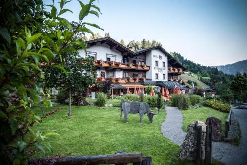 Hotellikuvia: Hotel Platzl, Auffach