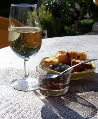 Hotel Pictures: Le Vin de l'Eté, Ponet-et-Saint-Auban