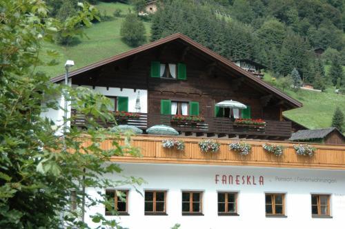 Foto Hotel: Hotel-Pension Faneskla, Silbertal