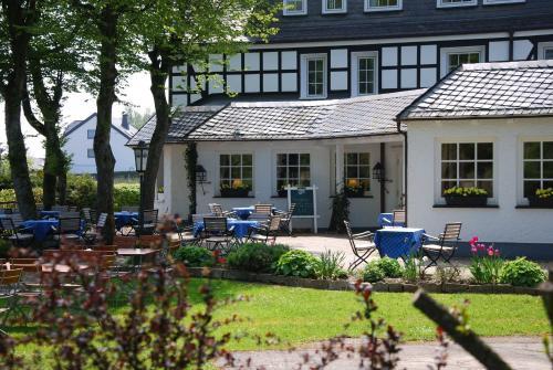 Hotel Pictures: Hotel-Waldhaus Föckinghausen, Bestwig