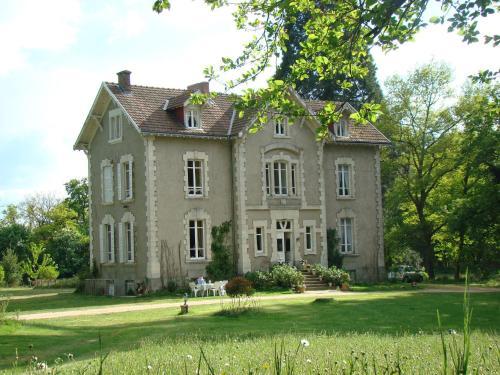Hotel Pictures: , Buxières-sous-Montaigut