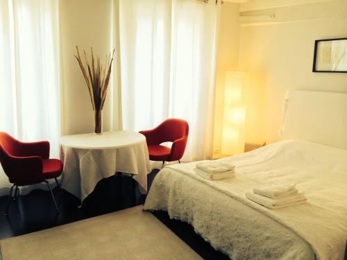 Hotel Pictures: Studio Château De Vincennes, Vincennes