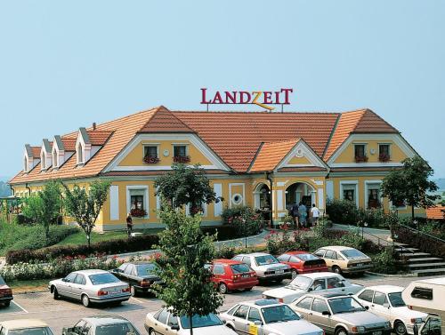 Fotos do Hotel: Landzeit Autobahnrestaurant & Motorhotel Loipersdorf, Kitzladen