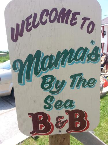 Hotel Pictures: Mama`s By The Sea B&B, Clarks Harbour
