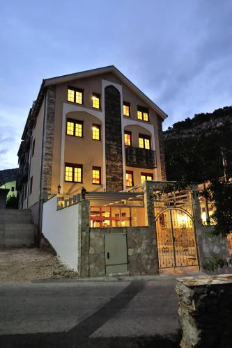 Foto Hotel: , Blagaj