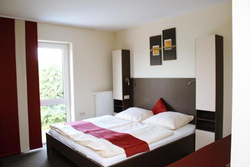 Hotel Pictures: , Henstedt-Ulzburg