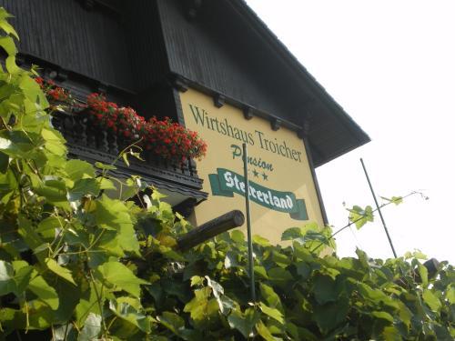 ホテル写真: Wirtshaus Restaurant Pension Steirerland, Mureck
