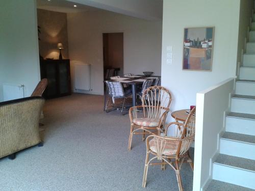 Hotel Pictures: Holiday home Sud-Ouest, Gardouch
