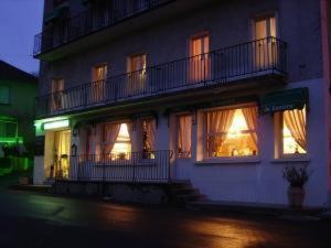 Hotel Pictures: , Latronquière