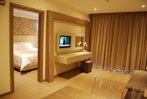 Melpo Antia Suites