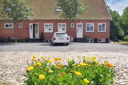 Hotel Pictures: Apartment Grammegårdsvej I, Åkirkeby