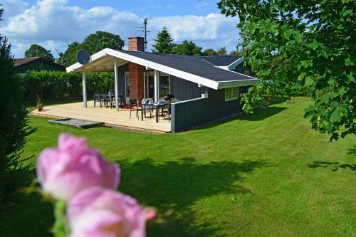Hotel Pictures: Holiday home Fyrremose C- 1295, Vibøge