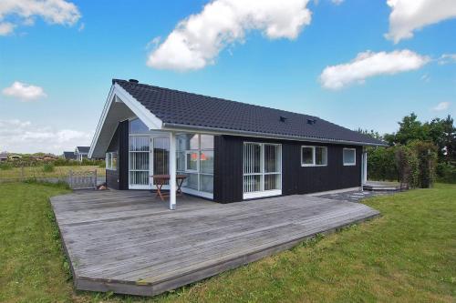 Hotel Pictures: Holiday home Rævehøjvej A- 3637, Svinøvester