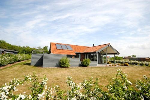 Hotel Pictures: Holiday home Sivkrogen D- 3992, Stavning