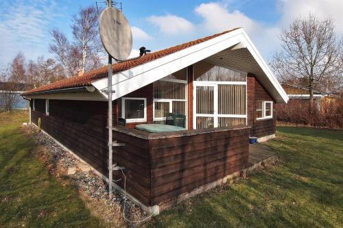 Hotel Pictures: Holiday home Skovstien E- 4137, Reersø