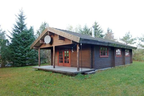 Hotel Pictures: Holiday home Solsortevej E- 4273, Esby