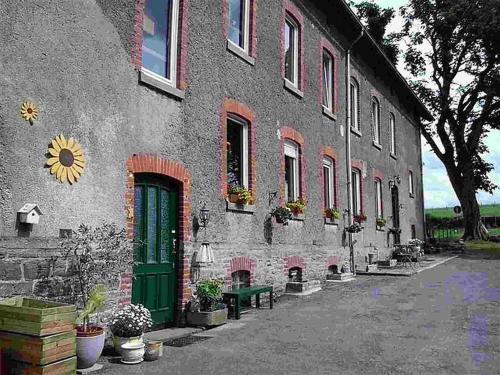 Hotellikuvia: , Burg-Reuland