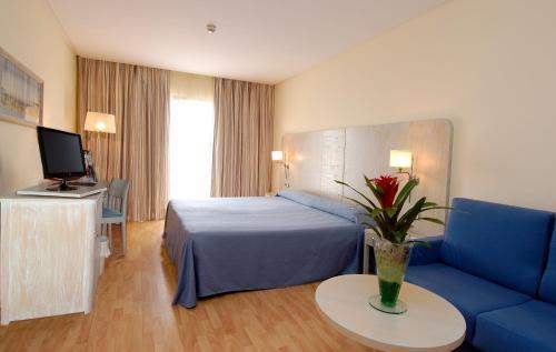 Hotel Pictures: , Canet de Berenguer