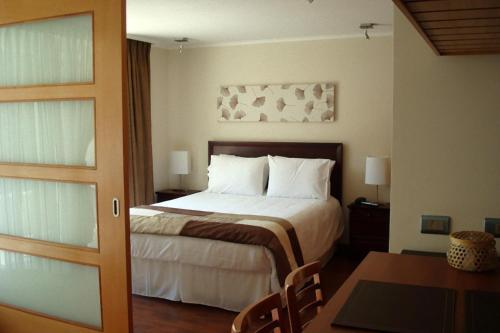 Cama ou camas em um quarto em Travel Place Lyon