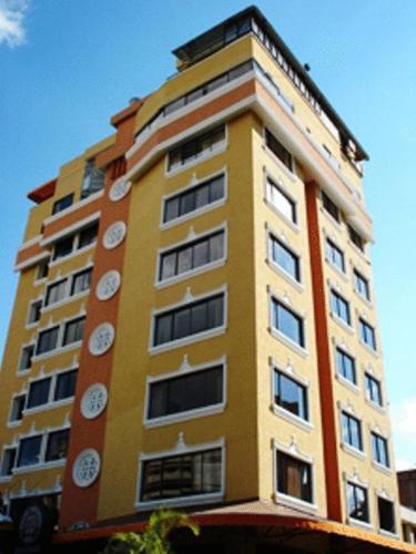 Hotel W Suites