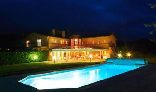 Hotel Pictures: Hôtel le Castrum, Villeneuve d'Olmes