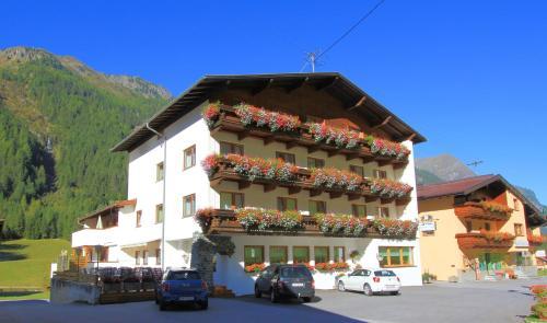Фотографии отеля: Hotel Pension St. Leonhard, Санкт-Леонхард (Пицталь)