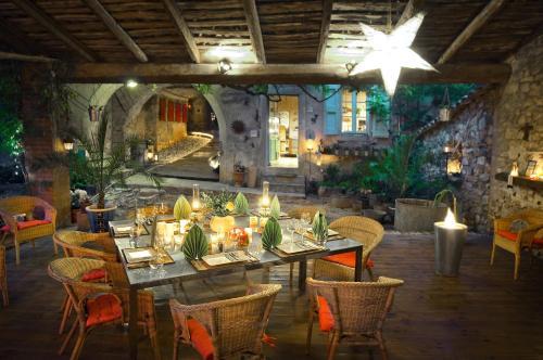 Hotel Pictures: La Vieille Maison - Halte Gourmande, Durfort-et-Saint-Martin-de-Sossenac