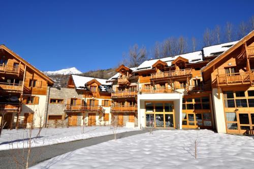 Hotel Pictures: Résidence Néméa L'Adret, Saint-Chaffrey
