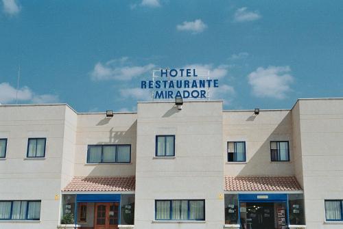 Hotel Pictures: , Velilla de San Antonio