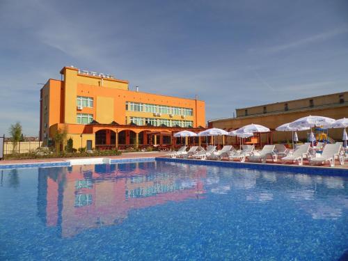 ホテル写真: Hotel Amigos, Lukovit