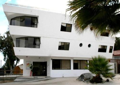 Hotel Pictures: Hotel Blanco Encalada, Bahia Inglesa