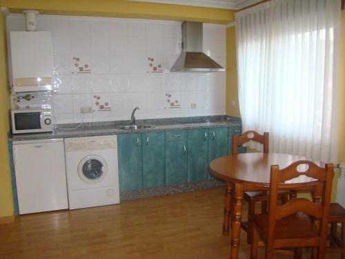 Hotel Pictures: Apartamentos Peña Mar, Castropol