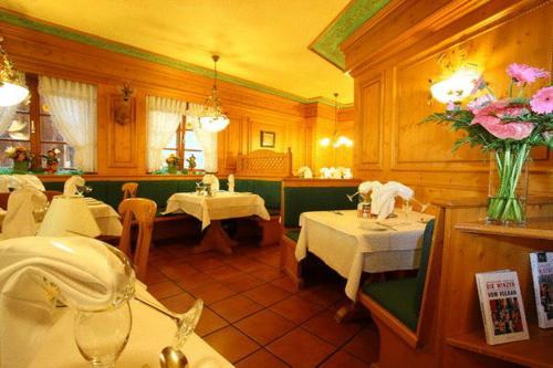 Hotel Pictures: Gasthaus Hotel Adler, Endingen