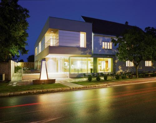 Hotellbilder: Hotel & Konditorei May, Neufeld an der Leitha