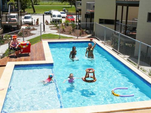 Hotellikuvia: Emu's Beach Resort, Emu Park