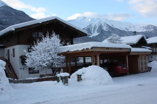 Hotellikuvia: Haus Hofer, Bramberg am Wildkogel