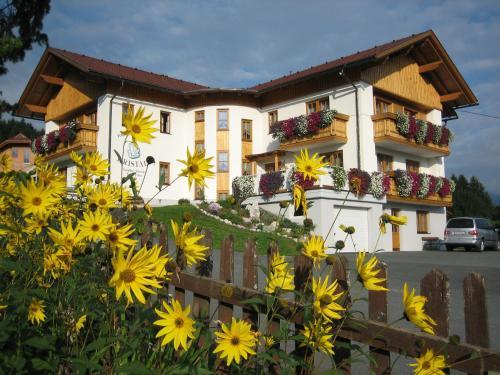 酒店图片: Hotel Pension Kristall, 特洛普拉赫