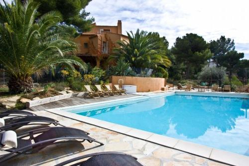 Hotel Pictures: Villa in La Ciotat III, La Ciotat