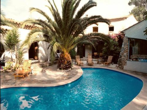 Hotel Pictures: Villa in La Roquette Sur Siagne, La Roquette-sur-Siagne